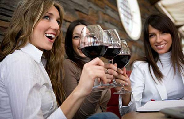 las-mujeres-son-mayoria-en-el-turismo-enologico