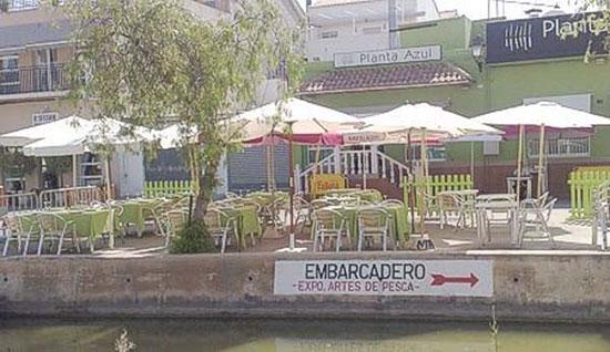 terraza-al-embarcadero-restaurante-arroceria-planta-azul-el-palmar-valencia-la-albufera