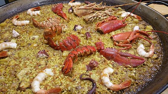 paella-de-marisco-y-pulpo-en-restaurante-la-Pepa-Valencia