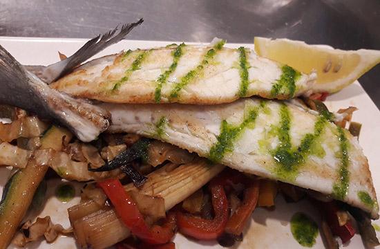 pescados-frescos-en-marisqueria-la-Odisea